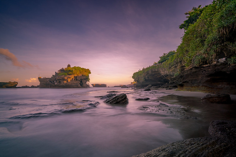 Landscape photography tips --> Tanah Lot Bali Indonesia - by Daan Wagner